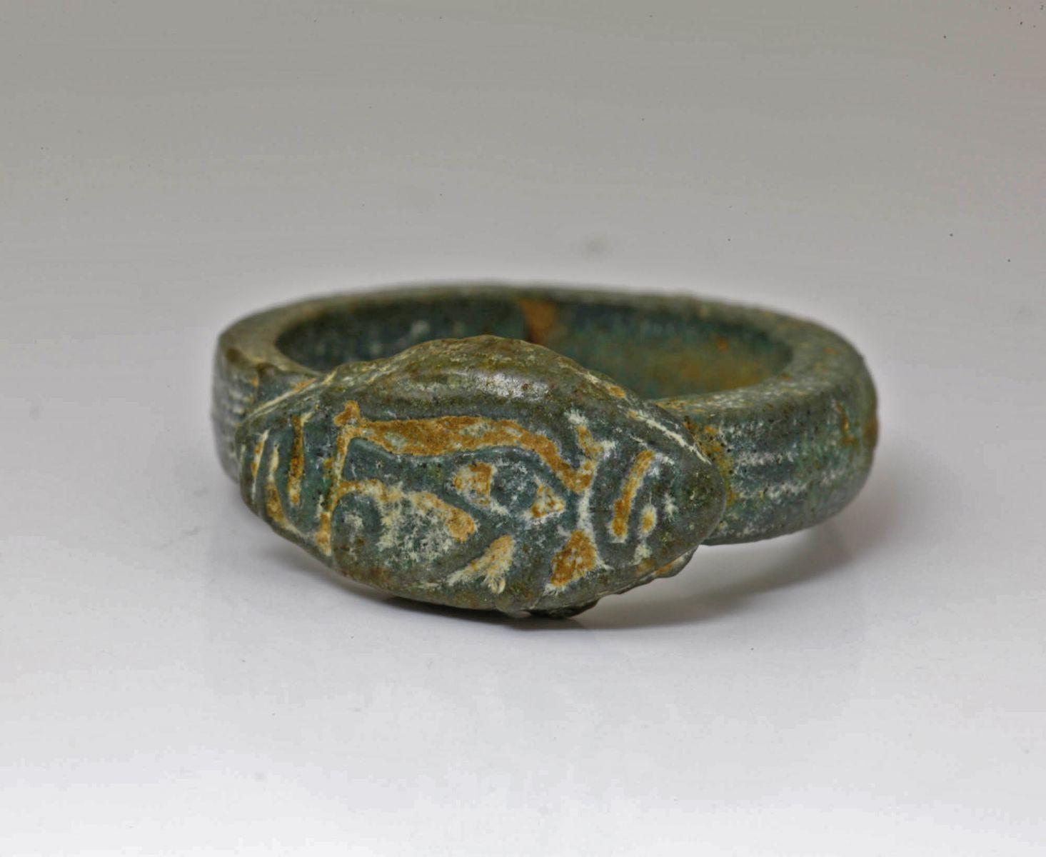 アンティークジュエリー 古代美術 新王国時代 オールオリジナル グリーンファイアンス リング ウジャット ホルスの目