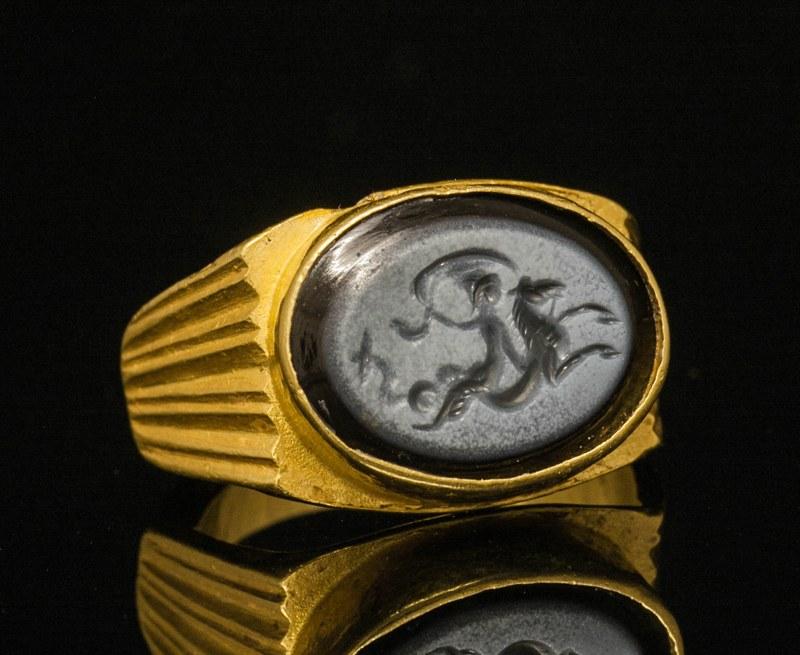 アンティークジュエリー 古代美術 古代ローマ3世紀 ゴールド インタリオリング 「海の女王アムピトリテ」